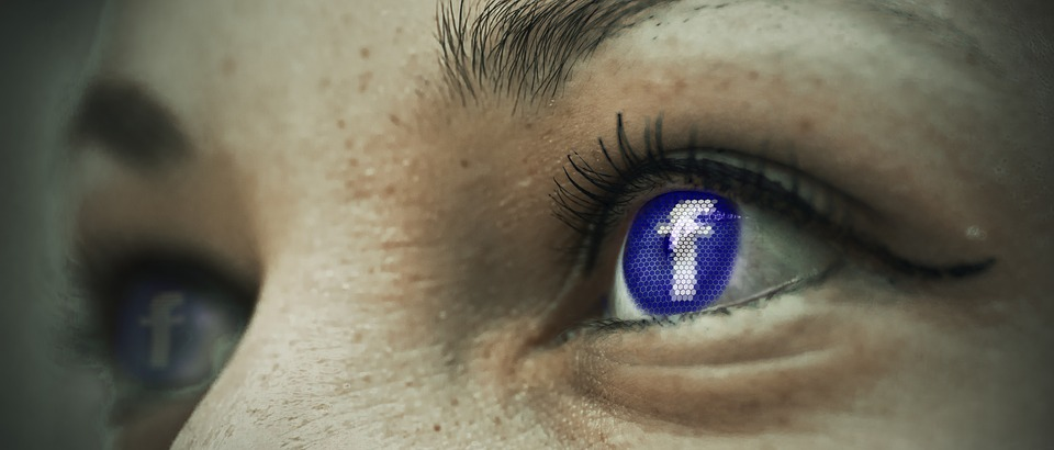 online relationships facebook eye
